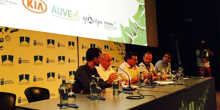 Kia Canarias promueve el debate sobre el presente y futuro del vehículo eléctrico