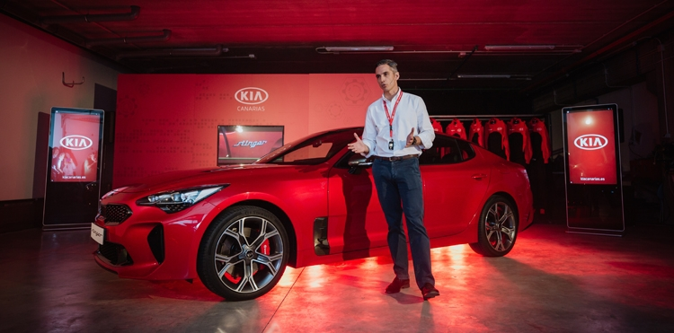 Kia Canarias presume de su gama GT en la presentación del nuevo Stinger